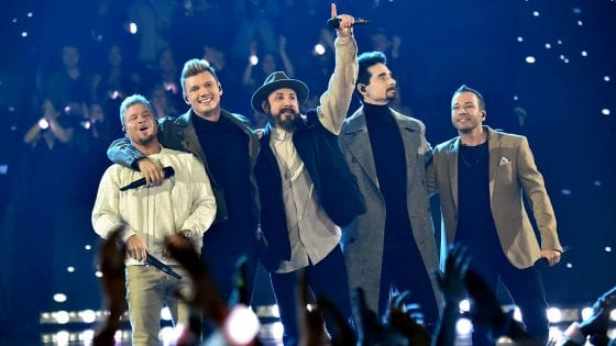 Guarda il video della cover di Thong Song dei Backstreet Boys da Fallon