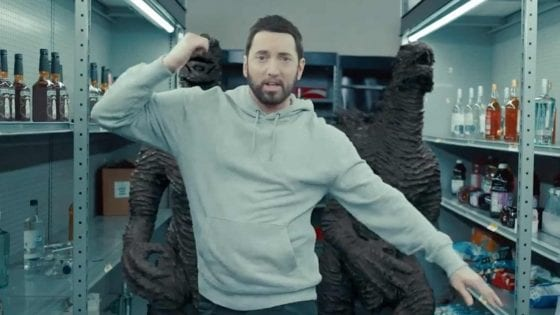 Eminem nel video di Godzilla
