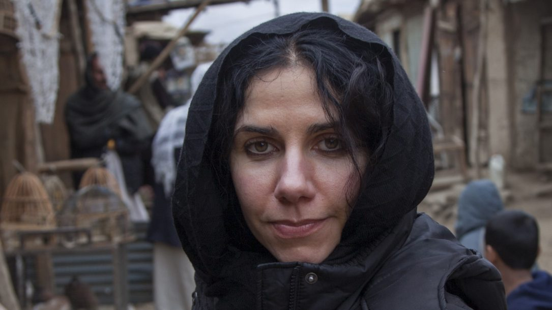 PJ Harvey sul set del docu-film di Seamus Murphy, A Dog Called Money