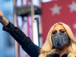 Lady Gaga al comizio per Biden a Pittsburgh di novembre, Drew Angerer/Getty Images